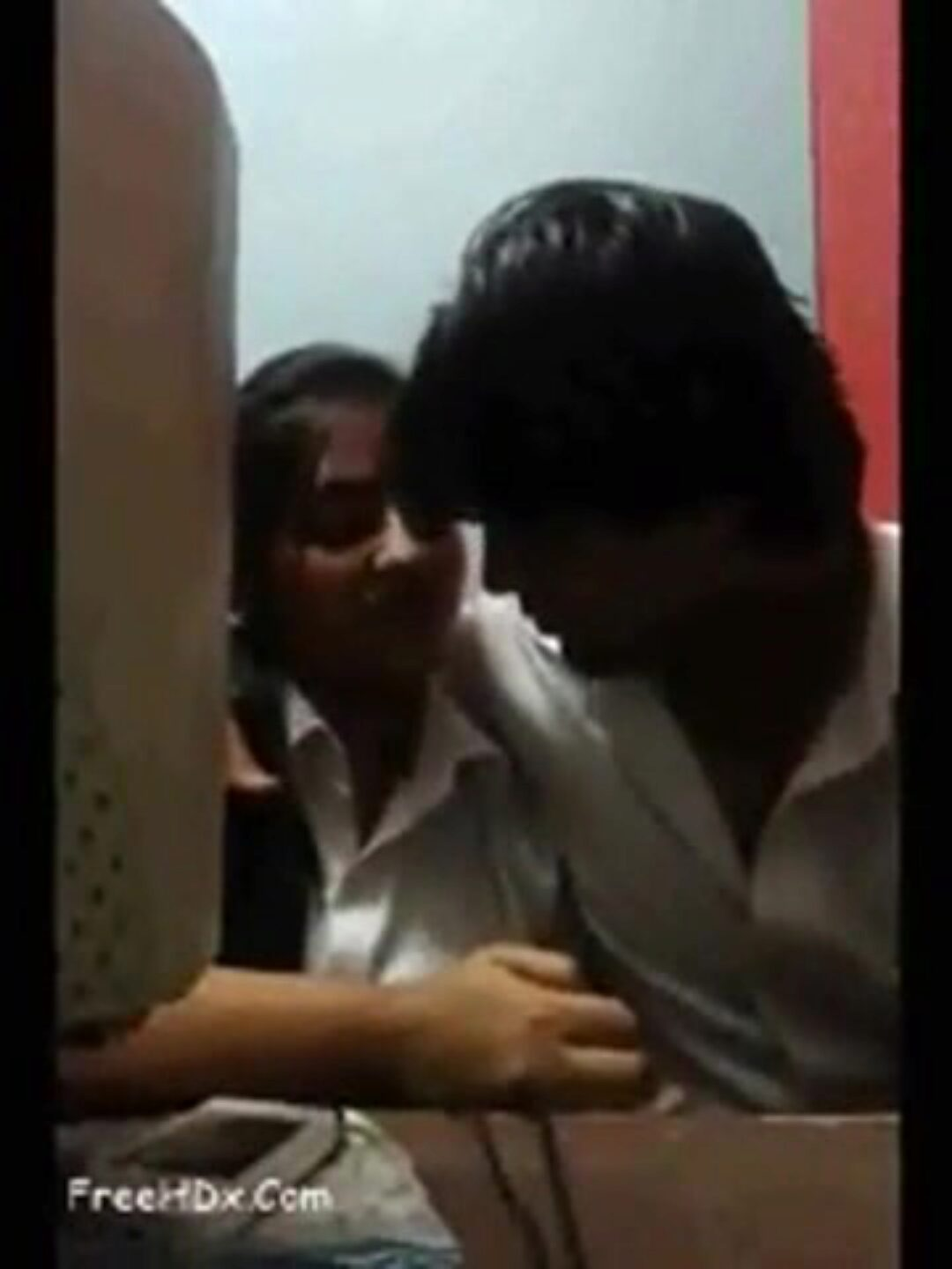 Desi couple lovemaking in cyber cafe Desi pair milk shakes pressing and fingerblasting in cyber cafe
