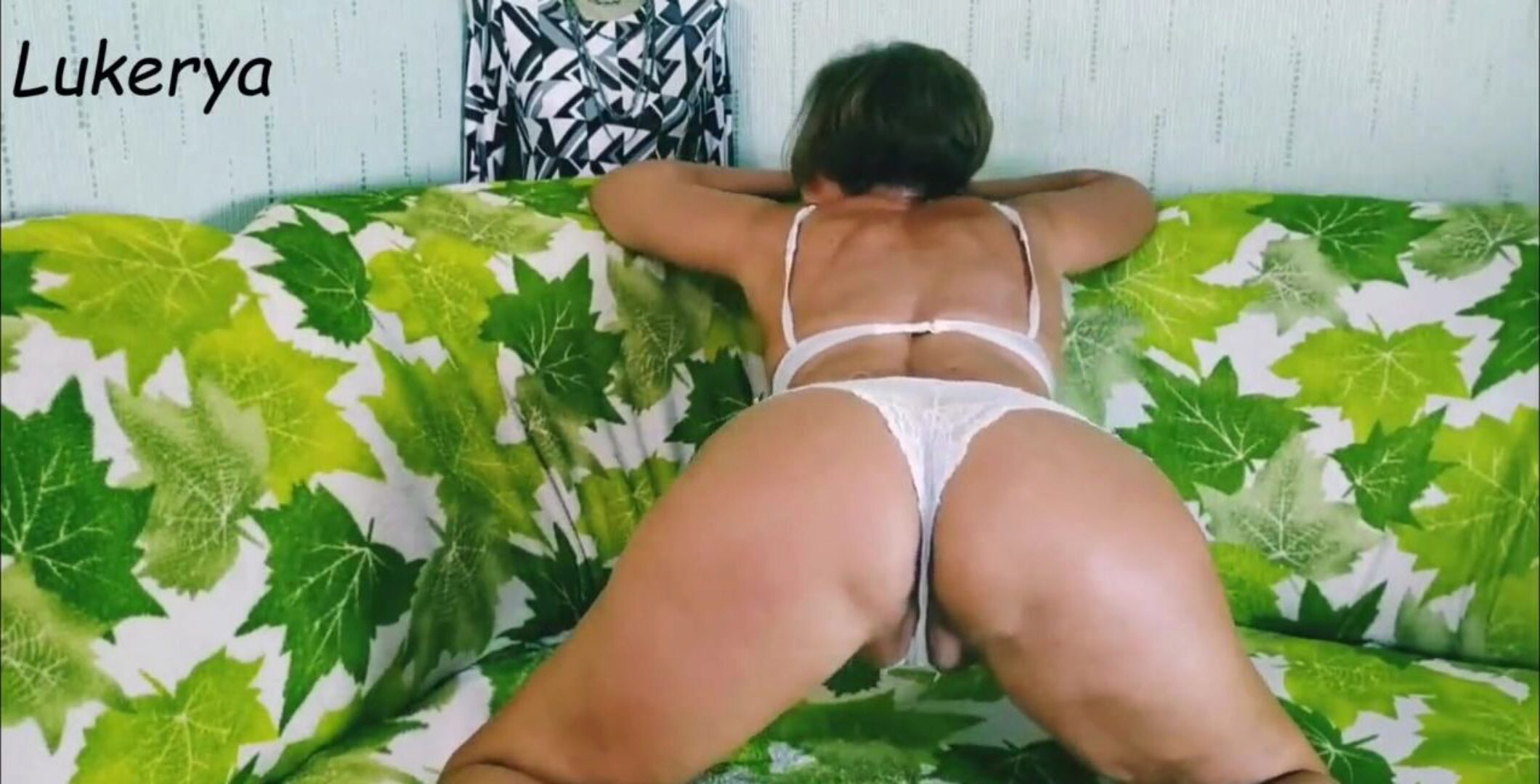 Big wazoo jiggling Lonely Housewife Shakes Her Big Ass, Spanks It And Shows Her Sexy Feet.