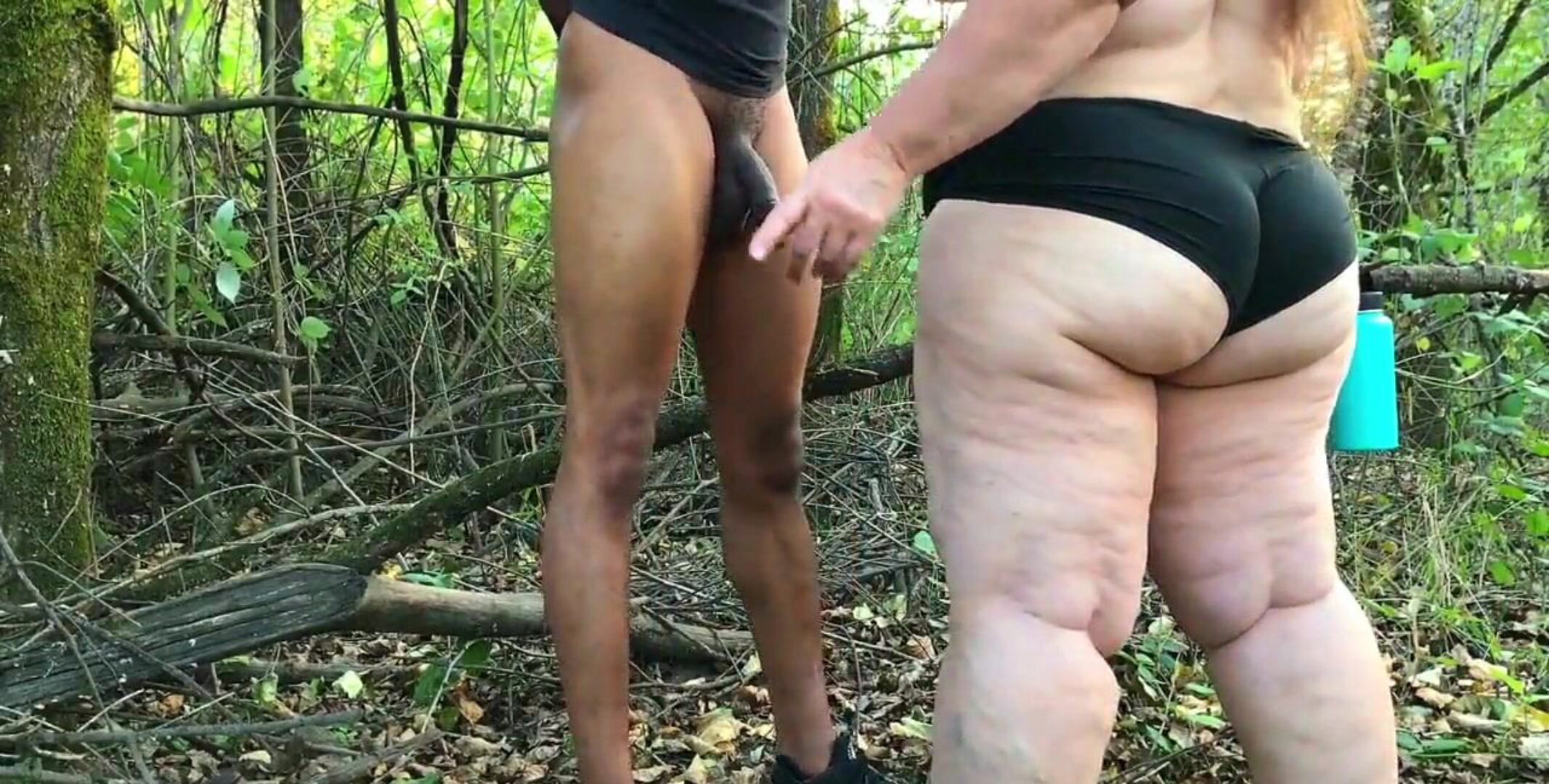 Mature bbw gives deep-throat unloading blow job in the woods